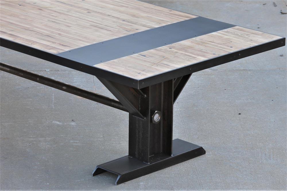 detail of custom table