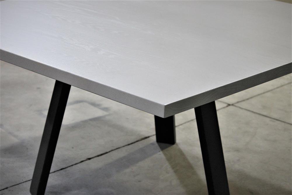 desks modern